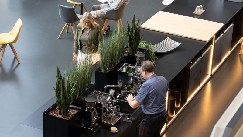 media/image/Masterbox-Kueche-New-Work-Treffpunkt-Work-Cafe.jpg