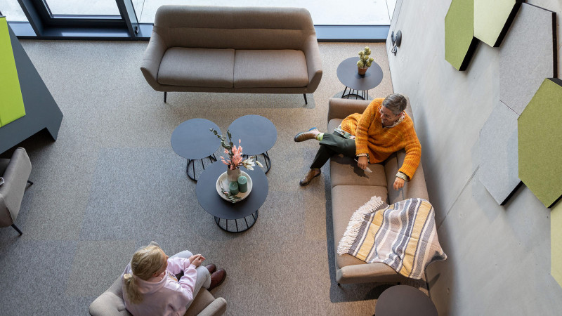 inwerk-loungesessel-seniga-mountain-grey-beistelltisch-reggie-s