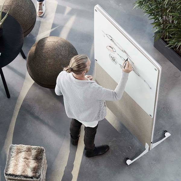 akustik-stellwand-fely-mit-whiteboard-01.jpg