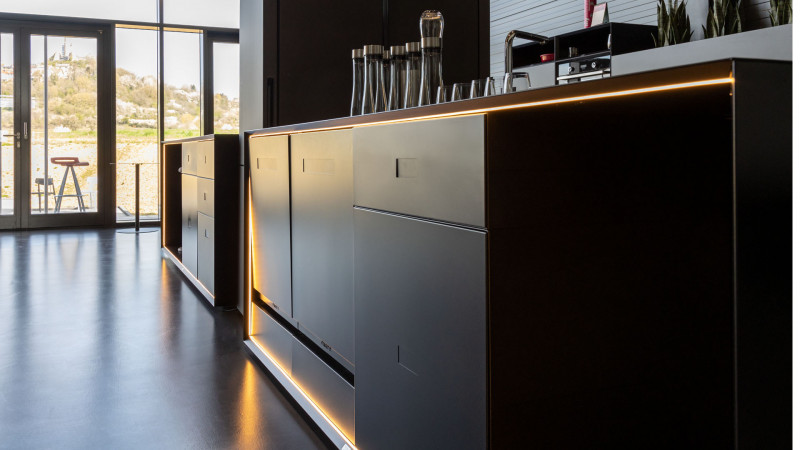 media/image/Masterbox-Kueche-Frontansicht-Work-KitchenwWQGxBswh7yLm.jpg