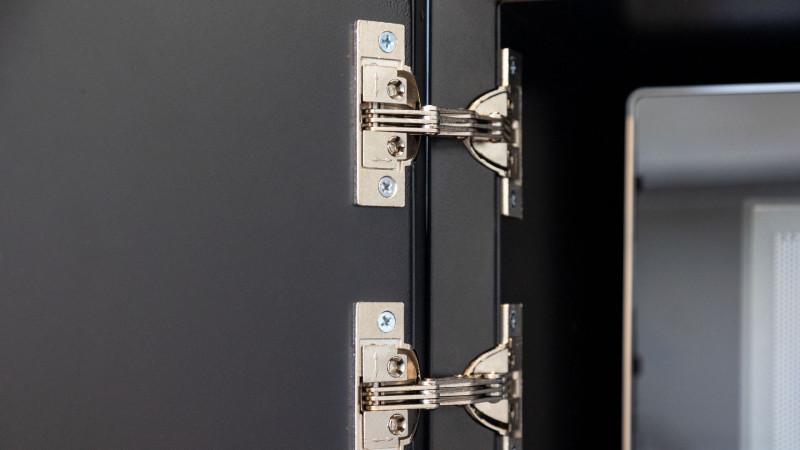 media/image/Masterbox-Kueche-Scharniere-TuerelementrFCpaahDmk66P.jpg